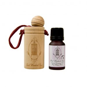 natural anti moth essential oil and-wooden diffuser